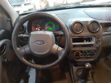 Ford KA FLEX 2009 AR COND.