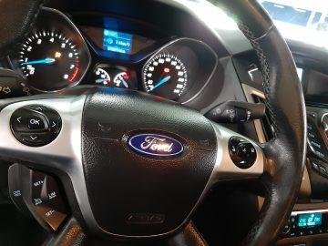 Ford Focus Sedan SE AT 2015 Abaixo da Tabela