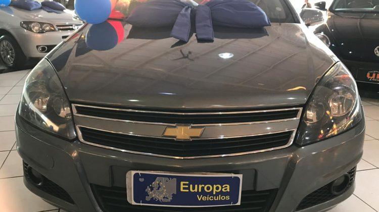 GM VECTRA GT (2010)