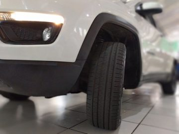 Jeep Compass 2.0 16V Longitude 4X4 TB Aut Branca 2017