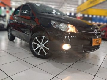 VW Voyage 1.6 Comfortline Preto 2012