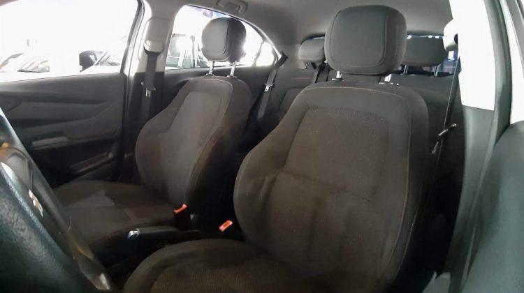 Chevrolet Onix LT 1.0 Flex 2013